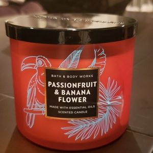 NWT Bath and Body Works 3 wick candle